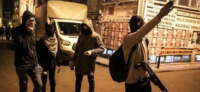 İstanbul'da polise pompalı saldırı