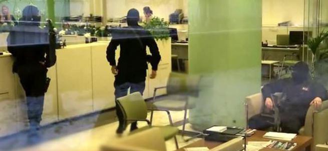Rusya'da Garanti Bankası'na polis baskını