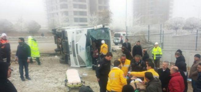 Ankara'da öğrenci servisi kaza yaptı: 3'ü ağır 15 yaralı