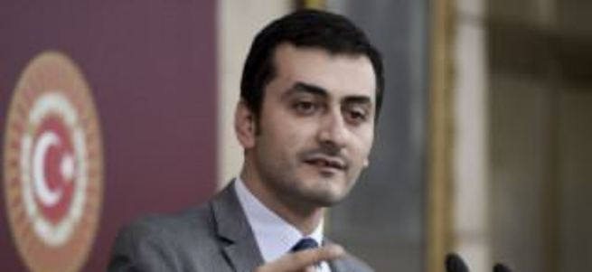 CHP'li Eren Erdem hakkında suç duyurusu