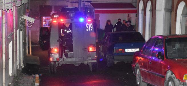 İstanbul'da HDP binasına şafak baskını!