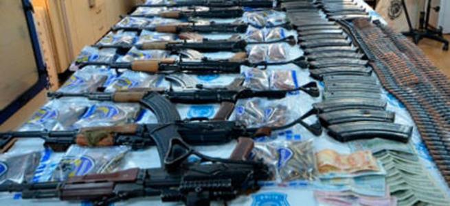 12 teröristin öldürüldüğü villadan çıkan malzemeler
