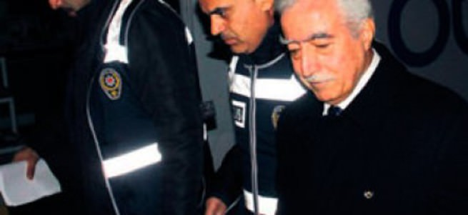 Eski başkan vekiline FETÖ gözaltısı