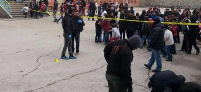 Diyarbakır'da okula patlayıcı atıldı: 5 çocuk yaralı