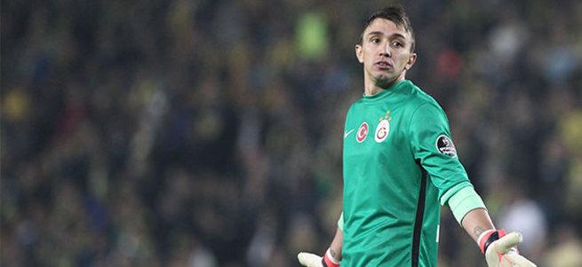 Galatasaray'da Muslera yolcu!