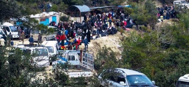Esad, Türkmen kampını bombaladı