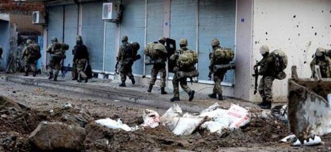 Cizre'de güvenlik kuvvetlerine roketatarlı saldırı: Yaralılar var