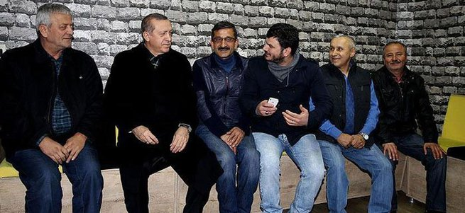 Cumhurbaşkanı Erdoğan esnafla sohbet etti