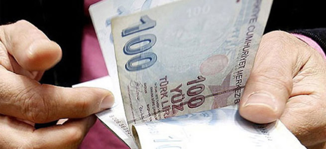 Bankalar kesenin ağzını açtı! Emekliye 600 lira