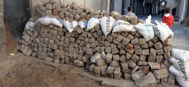 Sur'da hendek ve barikatların yüzde 95'i temizlendi