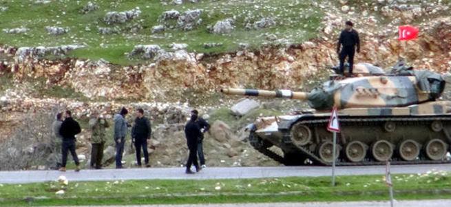 Şok detay! HDP'li belediye barikatlar için kaya taşıdı