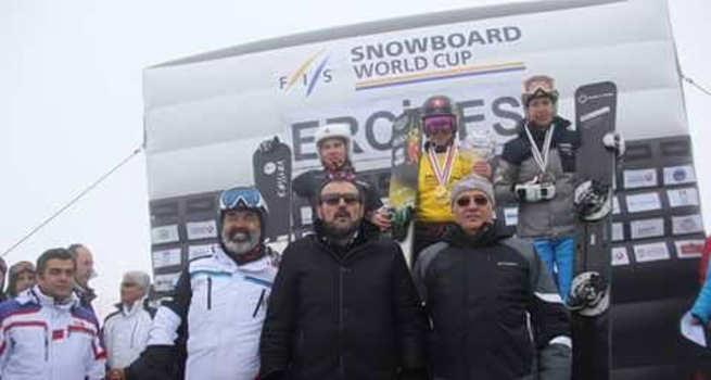 FIS Snowboard Dünya Kupası'nın finali Erciyes'i dünyaya açtı...