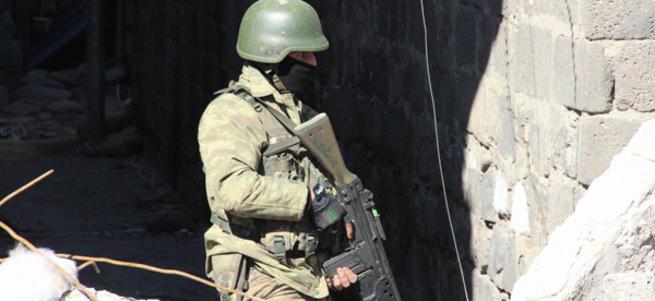 PKK'nın karargahı başlarına yıkıldı: 20 ölü