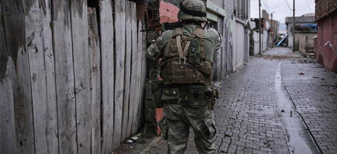 Dargeçit'te biri üsteğmen 3 asker şehit
