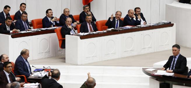 Efkan Ala: Gezi olayları PKK'nın çekilmesini durdurdu
