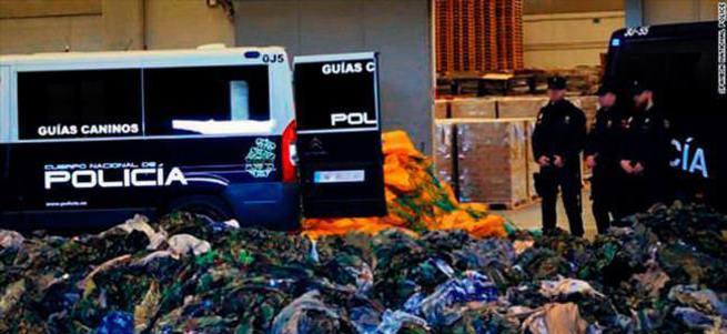 20 bin üniforma yolda yakalandı