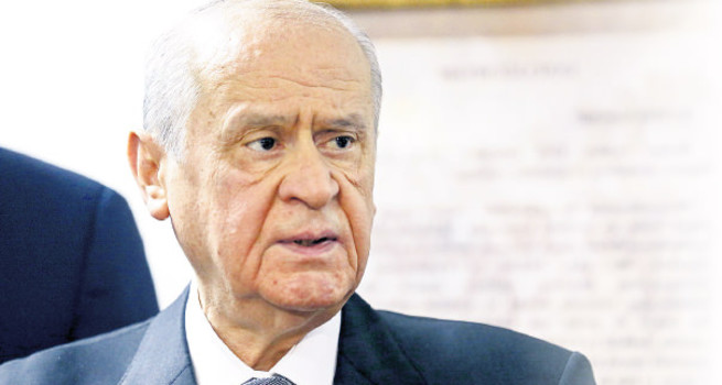 MHP lideri Devlet Bahçeli'den referanduma destek
