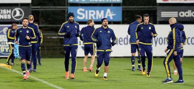 Braga maçına saatler kala Fenerbahçe'de şok gelişme!