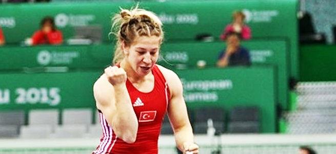Avrupa Güreş Şampiyonası'nda Rus rakibini yenen Adar'dan altın madalya