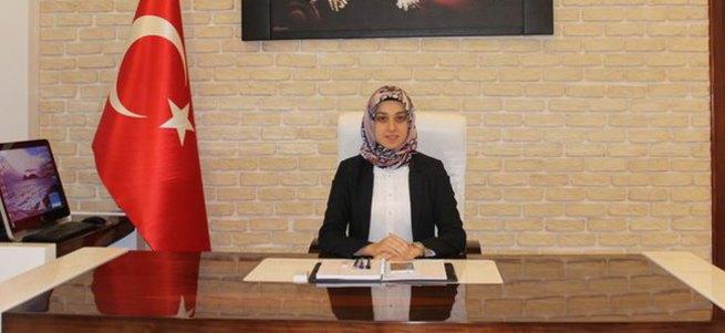 Türkiye'de bir ilk! Başörtülü kaymakam göreve başladı