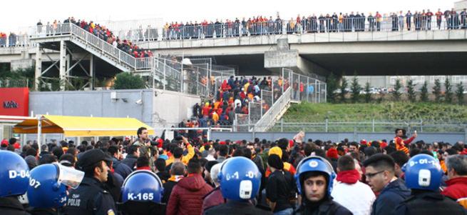 İşte Galatasaray-Fenerbahçe derbisinin ertelenme nedeni
