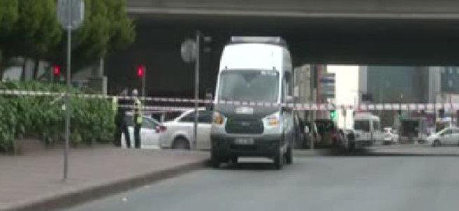 Mecidiyeköy'de şüpheli minibüs paniği: 2 gözaltı