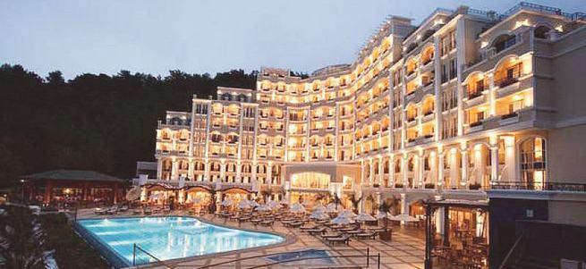 Firari Akın İpek'in oteli de ihaleye çıkıyor