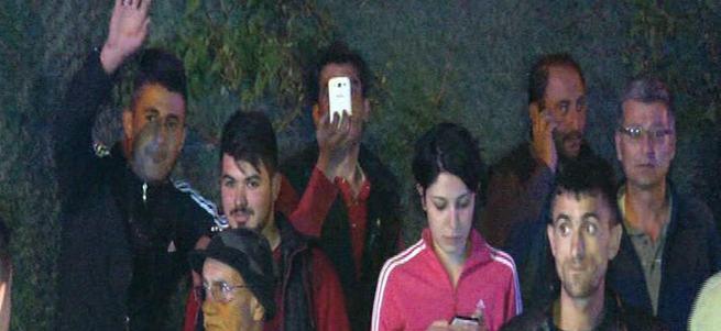 2 öğrenci öldü, onlar kameraya el salladı
