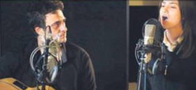 Yeni şarkısı 'Kırgın Çiçekler' dizisinde görücüye çıktı