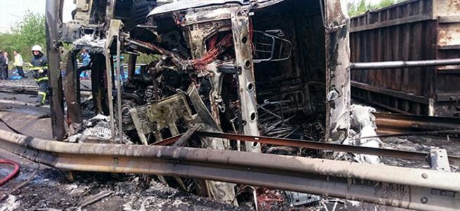 TEM'de kaza! İstanbul istikameti ulaşıma kapandı