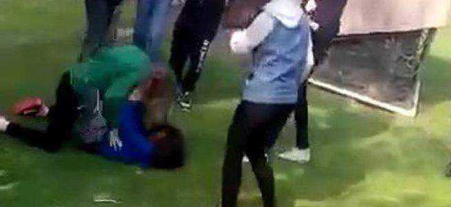 Kız öğrenciler kavga ettiler!