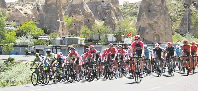 Cumhurbaşkanlığı Bisiklet Turu'nda Kapadokya nefes kesti