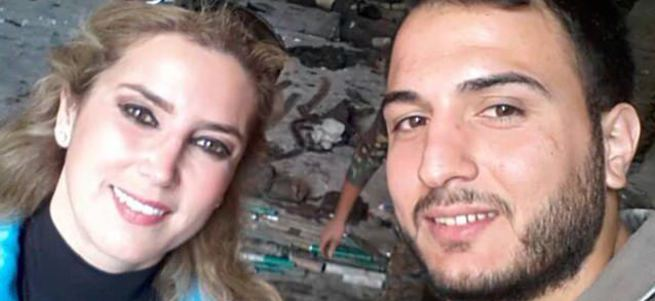 Esad yanlısı gazeteci öldürülen muhaliflerle selfie çekti