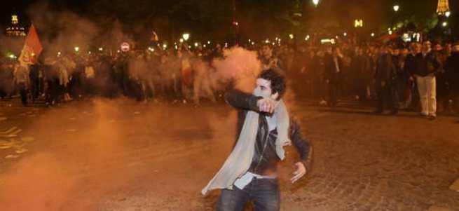 Paris sokakları karıştı