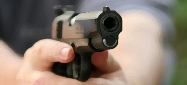 6 yaşındaki çocuğun gözleri önünde ağabeyini öldürdü!