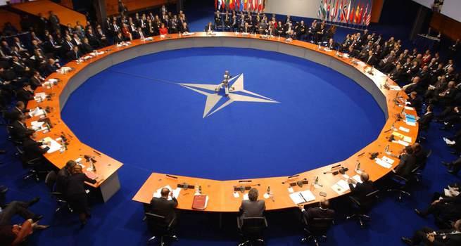 NATO: Rusya'yla yeni soğuk savaş istemiyoruz