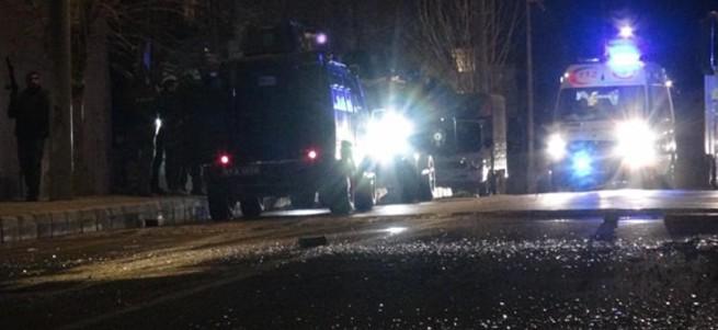 Mardin'de karakola bombalı araçla saldırı!