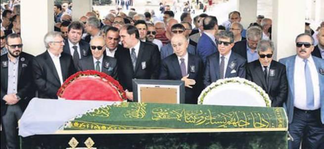 Özdemir'in annesi son yolculuğuna uğurlandı
