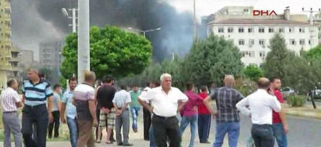 İlçe Müdürlüğü'ne bomba yüklü araçla saldırı