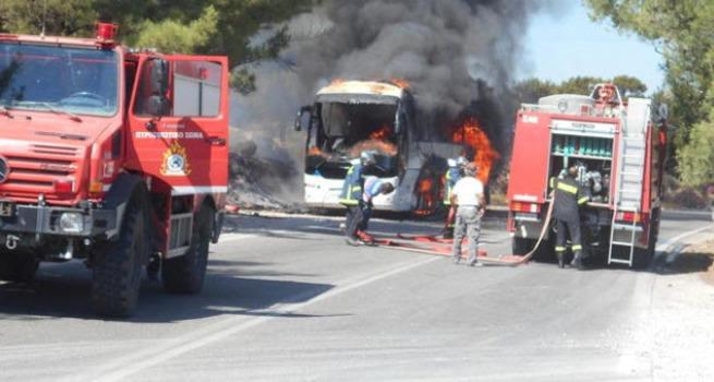 Rodos'ta tur otobüsü yandı: 11 Türk ölümden döndü!