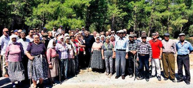 Köylüler 1 aydır ağaç nöbetinde