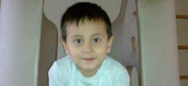 Servisin çarptığı bisikletteki 7 yaşındaki çocuk öldü