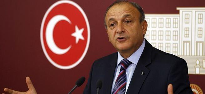 MHP'de Oktay Vural grup başkanvekilliği görevinden istifa etti