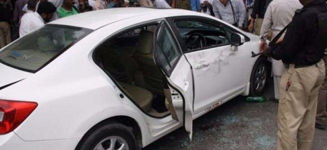 Ünlü şarkıcı aracında öldürüldü