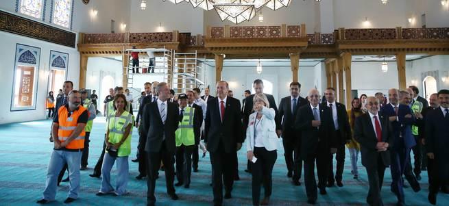 Cumhurbaşkanı Erdoğan Esenboğa'da cami açılışına katıldı
