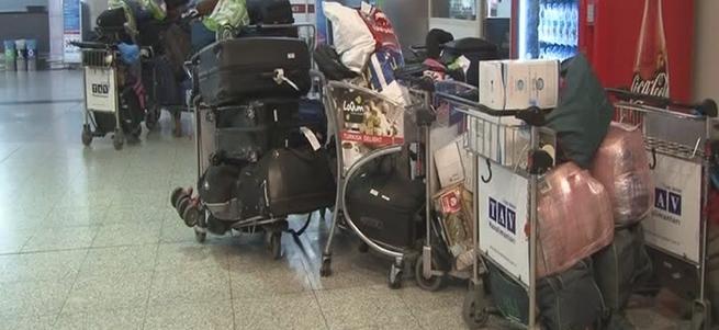 Atatürk Havalimanı'nda yüzlerce valiz sahipsiz kaldı