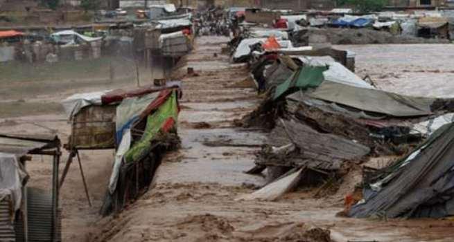 Pakistan'da sel: 30 ölü