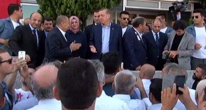 Cumhurbaşkanı Erdoğan taksicileri dinledi