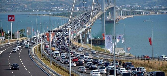 Osmangazi Köprüsü'nden 5 günde 400 bin 523 araç geçti
