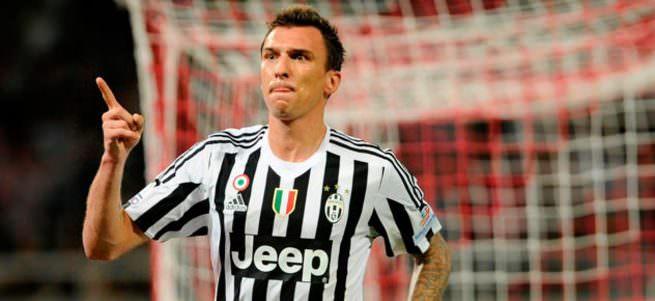 Juventus'tan 3'lü paket.
